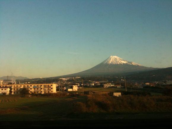 image from http://tadashiokoshi.typepad.com/.a/6a00e54ff835b688330120a6bde26e970b-pi